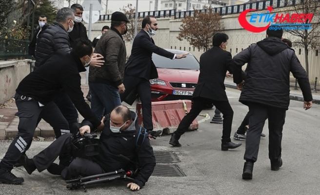 Ümitcan Uygun'un yakınları AA ekibine saldırdı