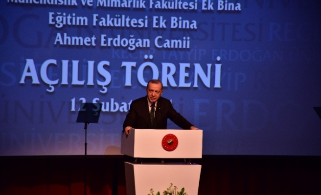 """Cumhurbaşkanı Erdoğan: """"Bir kesim yaşanan her olumlu gelişmeden rahatsız oluyor"""""""