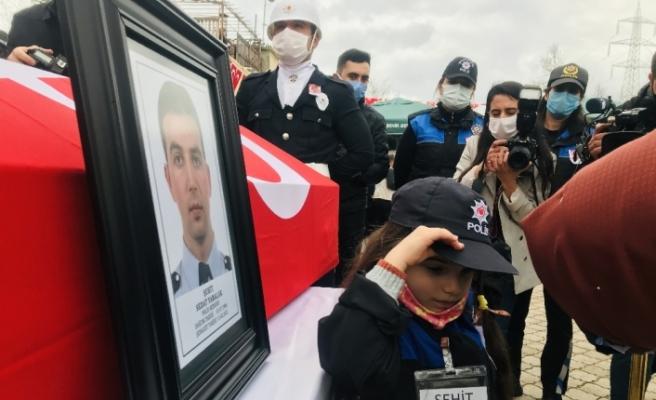 Gara şehidi polis memuru Mersin'de son yolculuğuna uğurlanıyor