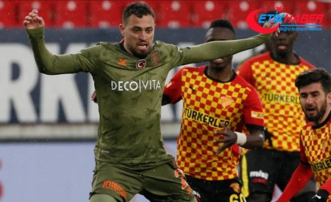 Medipol Başakşehirli Duarte: Çalhanoğlu, Türkiye'nin büyük kulüplerinden birine gideceğimi söyledi