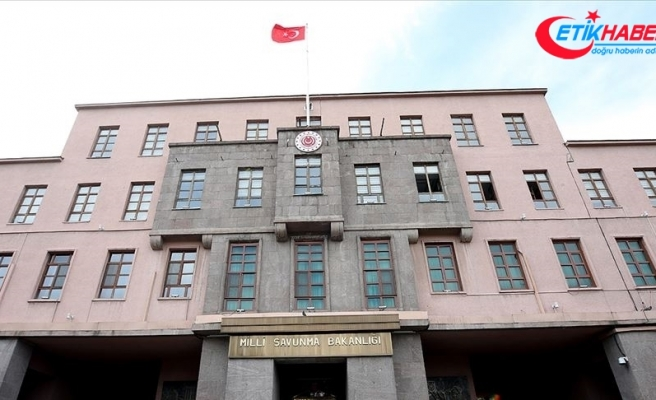 """MSB: """"Yasa dışı yollarla Türkiye'ye girmeye çalışan 2'si terör örgütü PKK mensubu 9 kişi yakalandı"""""""
