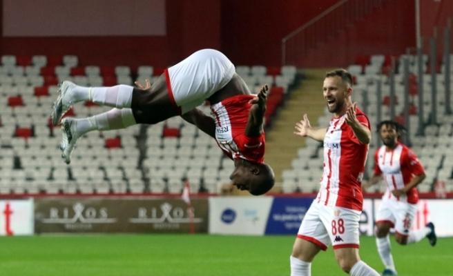 Antalyaspor, Süper Lig'de 10 maçlık yenilmezlik serisine ulaştı