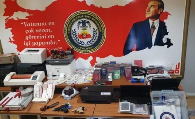 Terör örgütü DEAŞ'ın sözde üst düzey sorumlularıyla irtibatlı olduğu iddia edilen 2 şüpheli tutuklandı