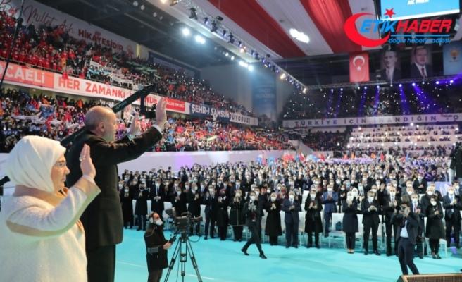 AK Parti'de genel başkanvekili sayısı 2'ye, MKYK üye sayısı 75'e yükseldi