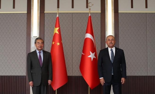 Bakan Çavuşoğlu, Çin Dışişleri Bakanı Wang Yi ile görüştü