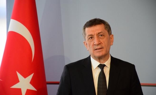 """Bakan Selçuk: """"Arnavutça'nın da Türkiye'de seçmeli ders olarak okutulması da bizim takibimizdedir"""""""