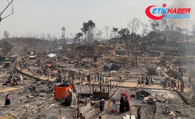BM: Bangladeş'te mültecilerin kaldığı kampta dün çıkan yangında 15 kişi öldü, 400 kişiden haber alınamıyor