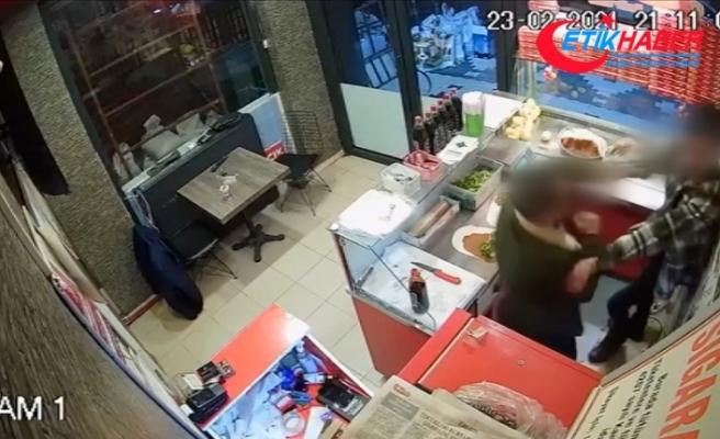 Çalışana çiğ köfte dürüm fırlatan saldırgan 'silahla yaralama'dan yargılanacak