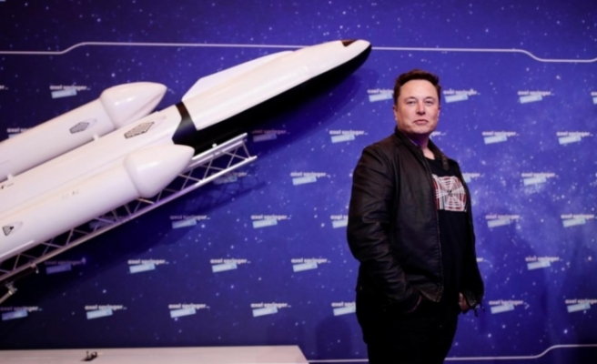 Elon Musk, Bitcoin ile Tesla alabileceğini duyurdu
