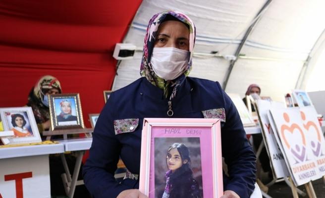 """Evlat nöbetindeki anne Süheyla Demir: """"Millet, PKK ve HDP'ye boyun eğmekten vazgeçti"""""""
