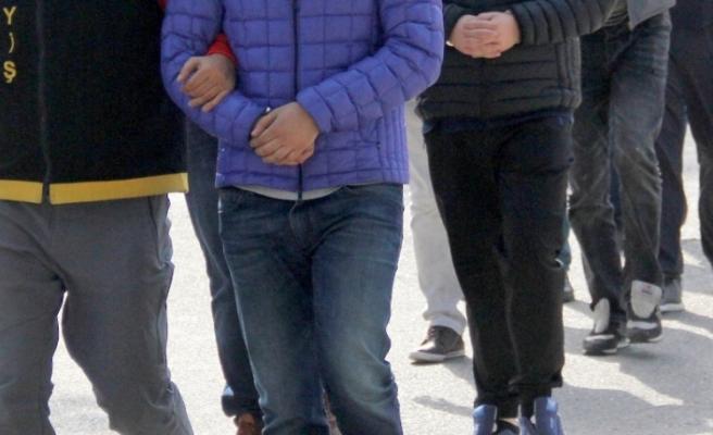 """Ankara merkezli 8 ilde uyuşturucu satıcılarına yönelik başlatılan """"Vadi"""" operasyonunda 81 şüpheli yakalandı"""