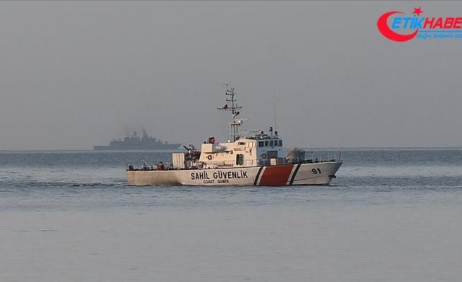 Gökçeada açıklarında teknenin batması sonucu kaybolan jandarma trafik tim komutanını arama çalışması sürüyor