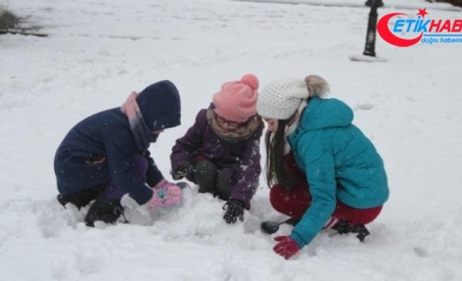 Kırşehir'de eğitime 1 gün kar arası