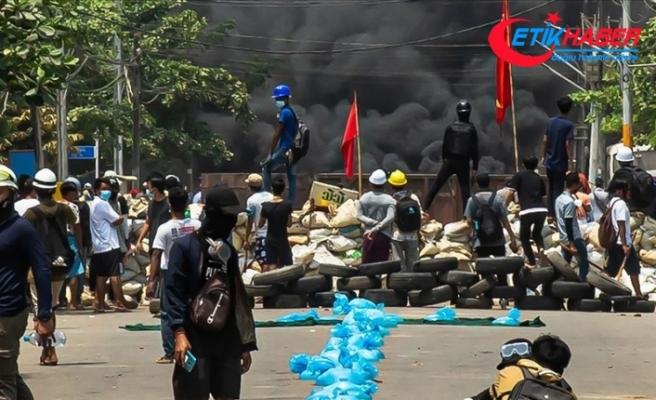 Myanmar'da darbe karşıtı protestolara güvenlik güçlerinin müdahalesinde can kayıpları 459'a yükseldi