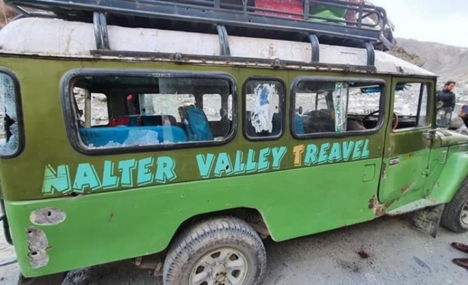 Pakistan'da minibüse silahlı saldırı: 5 ölü, 7 yaralı