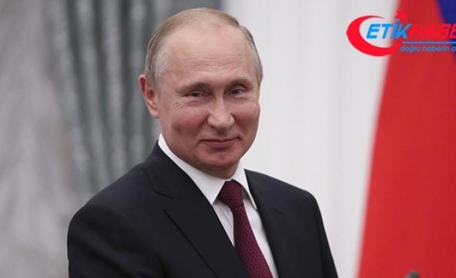 Rusya Devlet Başkanı Vladimir Putin, Covid-19 aşısı oldu.