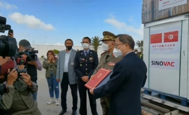Tunus'a Sinovac aşıları ulaştı