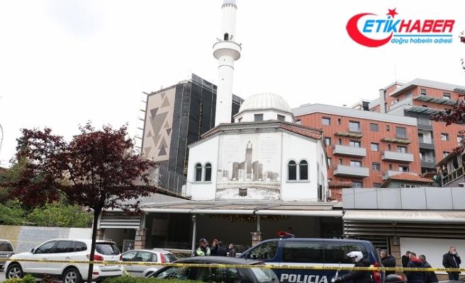 Arnavutluk'ta camide düzenlenen bıçaklı saldırıda 5 kişi yaralandı