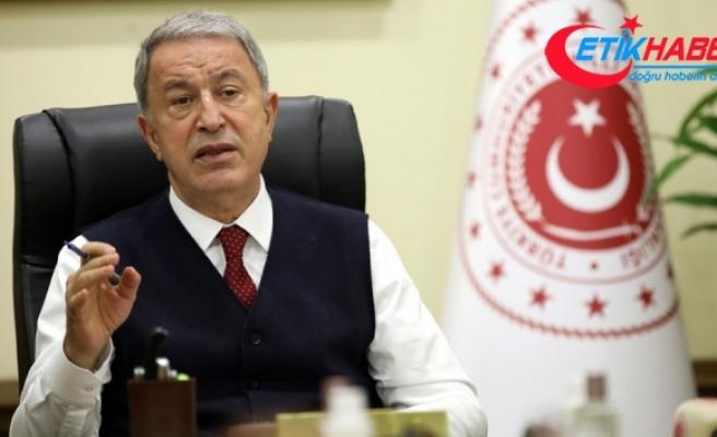 Milli Savunma Bakanı Akar, Libya'daki Mehmetçik ile bir araya geldi