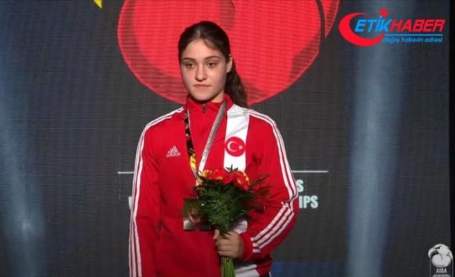 Büşra Işıldar, dünya gençler boks şampiyonu oldu