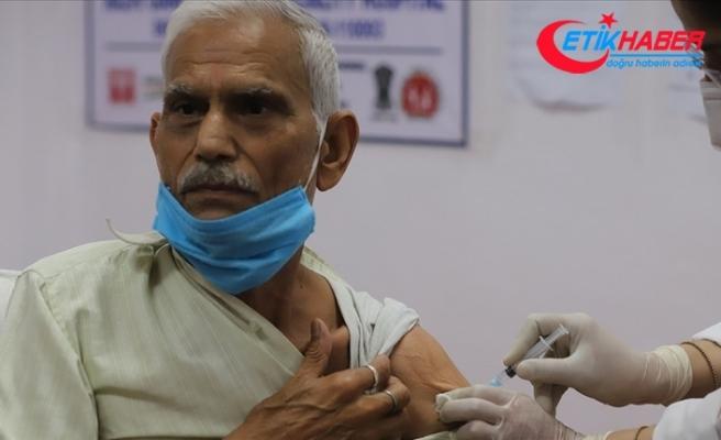 Hindistan'da günlük Kovid-19 vaka sayısı salgının başından bu yana en yüksek düzeye ulaştı
