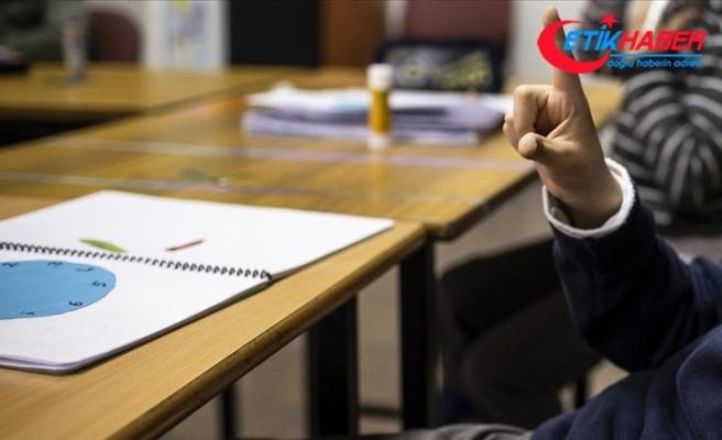 MEB özel eğitim öğrencileri için fen bilimleri kitap seti hazırladı