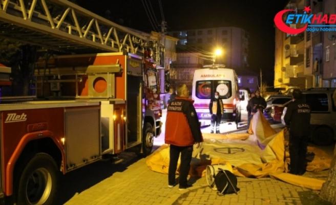 Polis ve itfaiye ekibinin müdahalesi genç kızı kurtardı