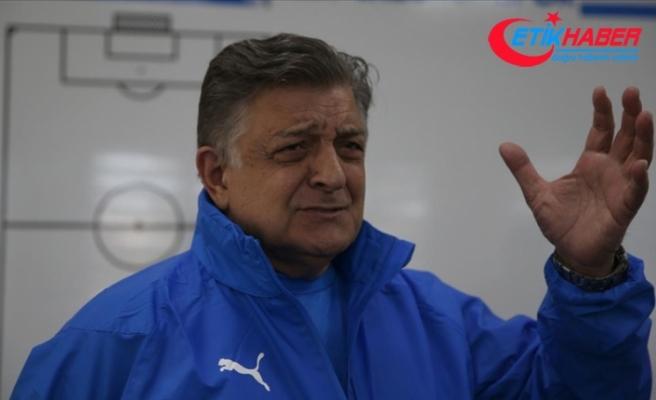 Türk futbolunun renkli siması Yılmaz Vural kariyerine 35 yılda 30 takım sığdırdı