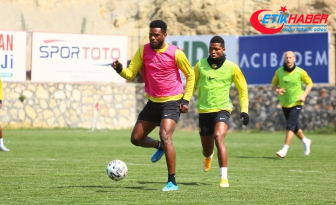 Yeni Malatyaspor'da 4 futbolcuda korona virüs çıktı