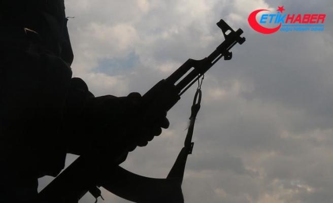 YPG/PKK'lı terörist, örgütün tüccarlardan aldığı yaklaşık yarım milyon doları çalıp kaçtı