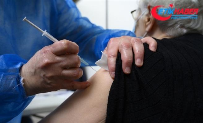 AB Komisyonu, üye ülkelere AB onaylı aşıları yaptıranlara seyahat kısıtlamalarını kaldırmalarını önerdi