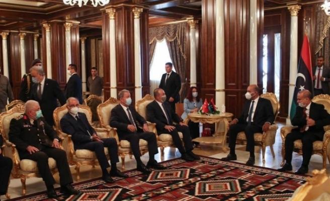 Bakan Çavuşoğlu ve Akar, Libya Başkanlık Konseyi üyeleri ile bir araya geldi