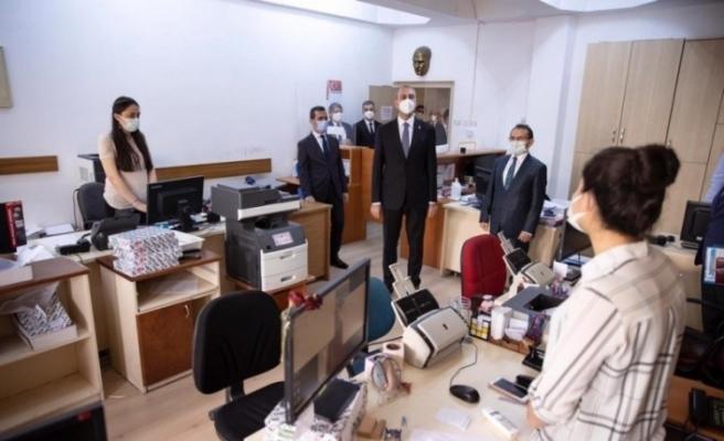 Bakan Gül, Ankara Adliyesinde salgın tedbirlerini inceledi