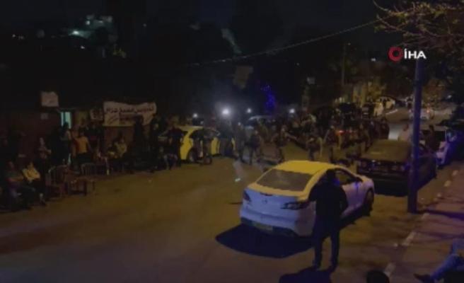 Kudüs'te İsrail güçleri ve Filistinliler arasında arbede: 20 yaralı