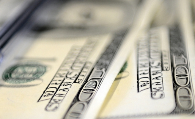 Yılsonu dolar kuru beklentisi arttı, büyüme değişmedi