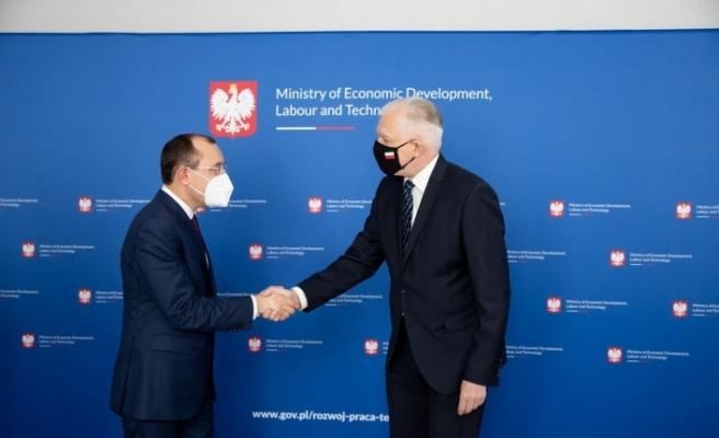 Bakan Muş, Polonya Kalkınma, Çalışma ve Teknoloji Bakanı Jaroslaw Gowin ile görüştü