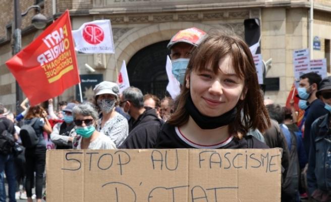 Fransa'da aşırı sağa karşı Özgürlük Yürüyüşü düzenlendi