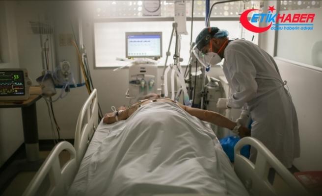 Kolombiya Sağlık Bakanı Gomez: Sinovac'ın 80 yaş üstü ölümleri azaltmada etkinliği yüksek