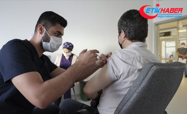 Kovid-19'la mücadele kapsamında son bir haftada 7,7 milyon dozdan fazla aşı uygulandı