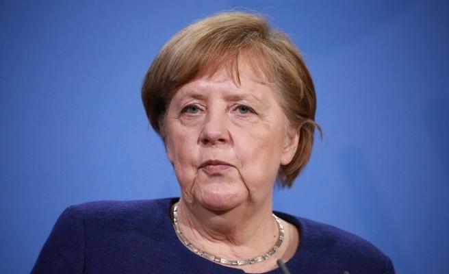 """Merkel: """"Belirli konuları birlikte şekillendirmek istiyorsak birbirimize bağımlıyız"""""""