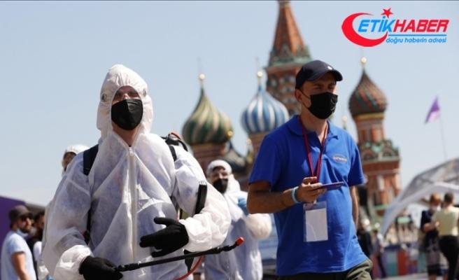 Rusya'da Kovid-19'un yeni varyantları salgın durumunu kötüleştirdi