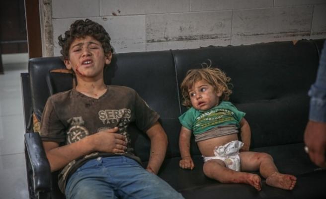 Rusya'ya ait savaş uçaklarının İdlib'e düzenlediği hava saldırılarında 3 sivil yaralandı