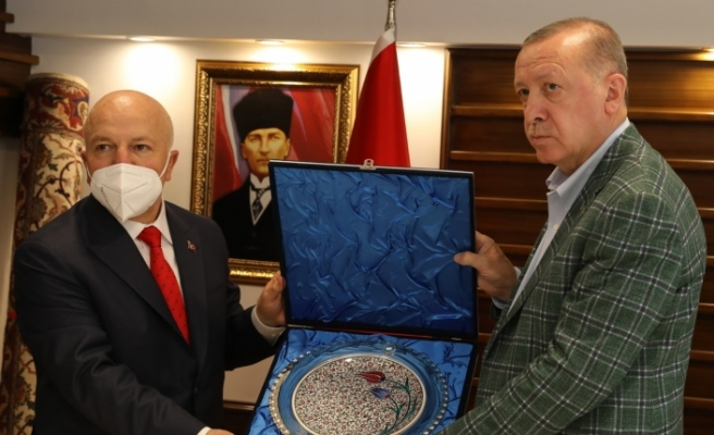 Cumhurbaşkanı Erdoğan Erzurum Büyükşehir Belediyesi'ni ziyaret etti