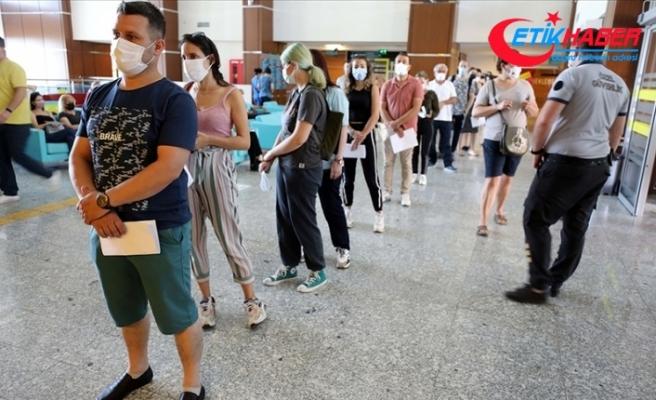 Kovid-19'la mücadele kapsamında ülke genelinde 70 milyon dozdan fazla aşı uygulandı