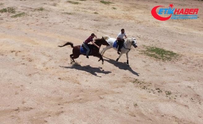 Osmanlı'nın kuruluş toprağında binicilik sporuyla tanışıyorlar