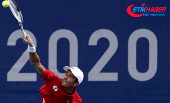 Rus tenisçi Daniil Medvedev, sıcak hava nedeniyle Tokyo 2020 maçında sağlık sorunları yaşadı