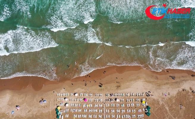 Şile sahillerinde yoğun dalga ve akıntı nedeniyle denize girmek yasaklandı