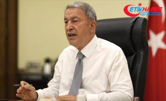 Bakan Akar: TSK yangınla mücadelede her zaman, her yerde milletinin emrinde