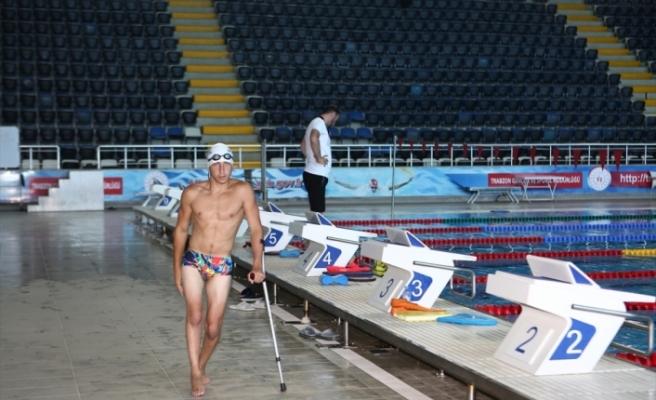 Engelli yüzücü Metehan'ın hedefi milli forma altında başarılar kazanmak