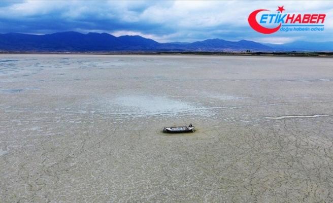 Göçmen kuşların uğrak noktası Karataş Gölü kurudu